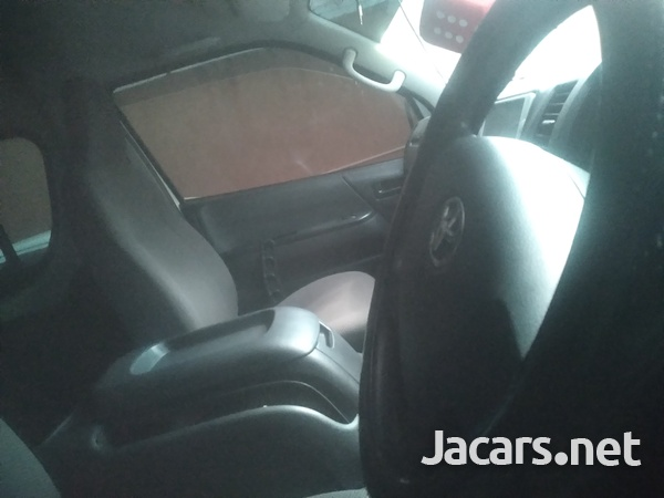 Toyota Hiace 2,2L 2014-8
