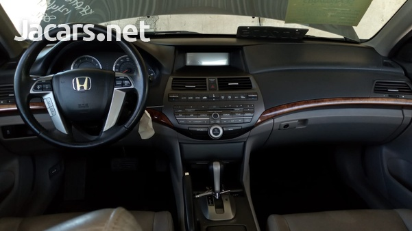 Honda Accord 2,0L 2012-5