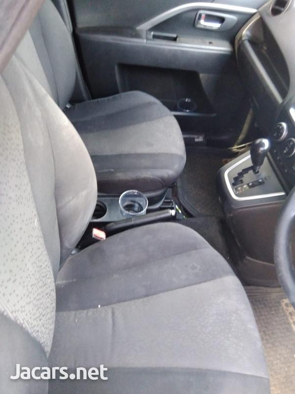 Mazda Premacy 1,8L 2011-4