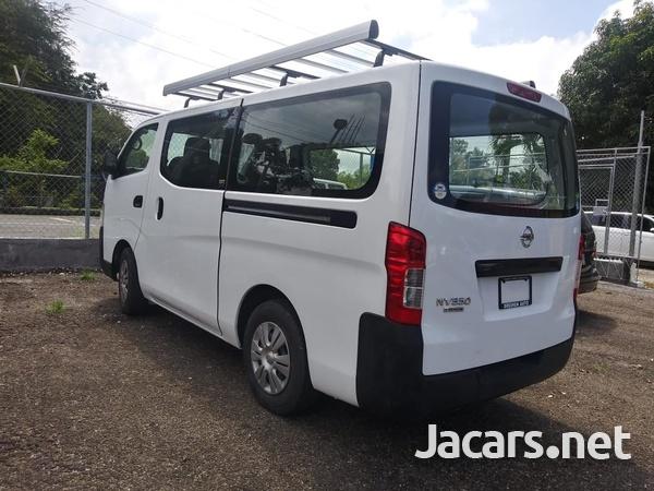 Nissan Caravan 2,0L 2015-11