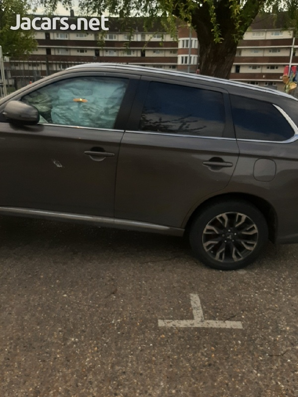 2016 mitsubishi outlander breaking for spare parts-1