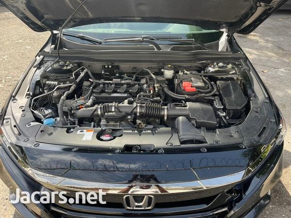 Honda Accord 1,8L 2020-8