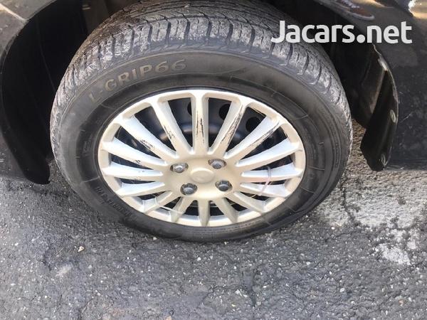 Toyota Vitz 1,5L 2013-5