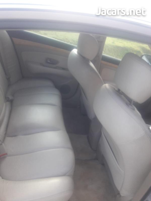 Nissan Bluebird 1,5L 2011-9