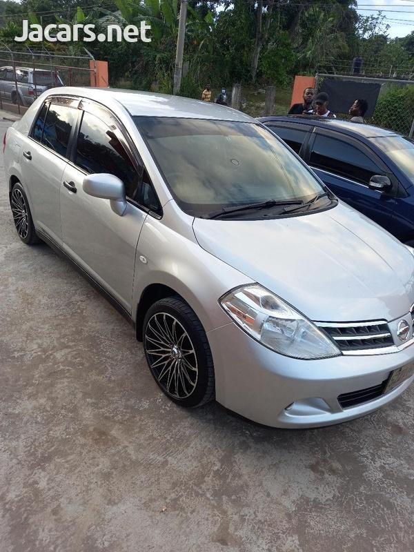 Nissan Tiida 1,8L 2013-8