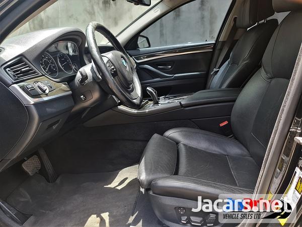 BMW 5-Series 3,0L 2011-9