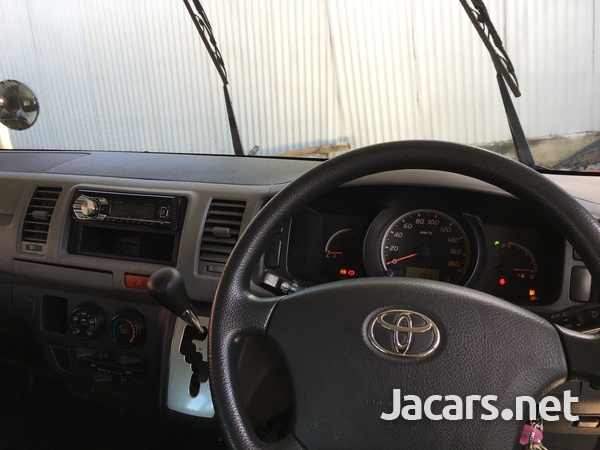 Toyota Hiace 2,0L 2011-6