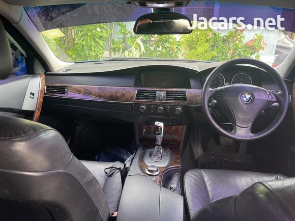 BMW 5-Series 3,0L 2007-4