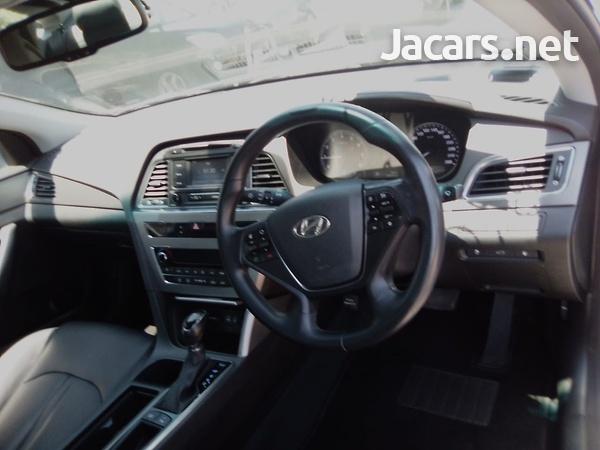Hyundai Sonata 2,0L 2015-9