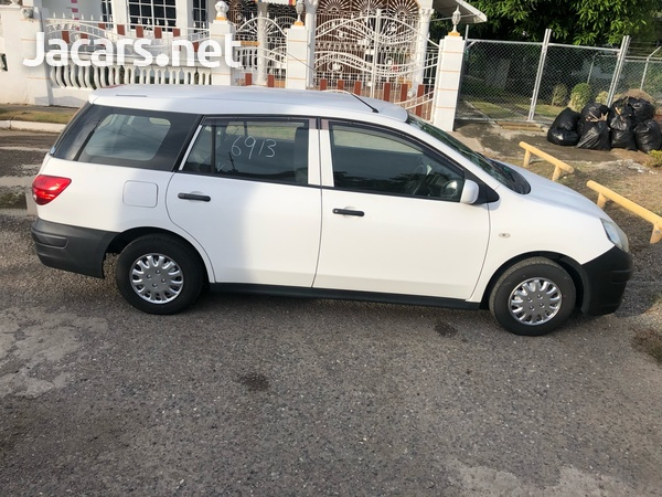 Nissan AD Wagon 1,5L 2014-1