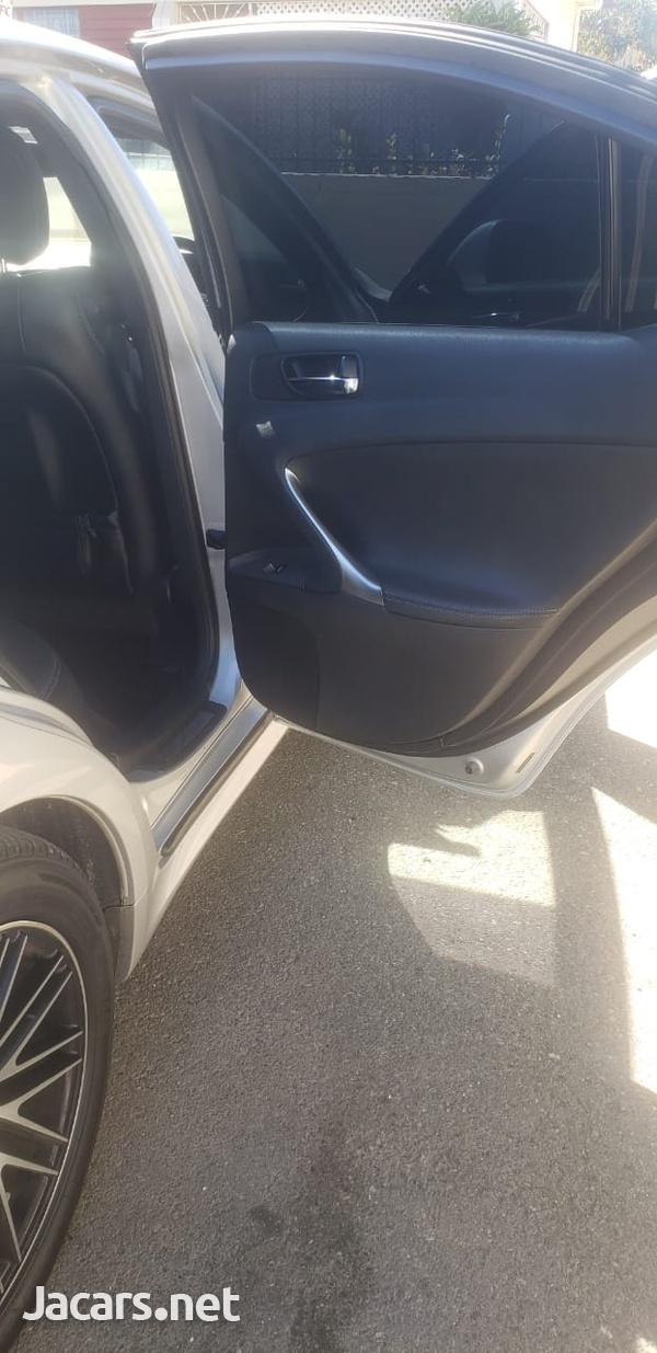 Lexus IS 1,6L 2010-3