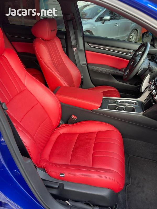 Honda Accord 2,0L 2020-7