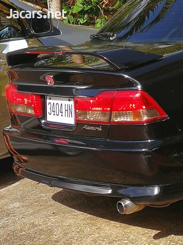 Honda Accord 2,0L 2002-8