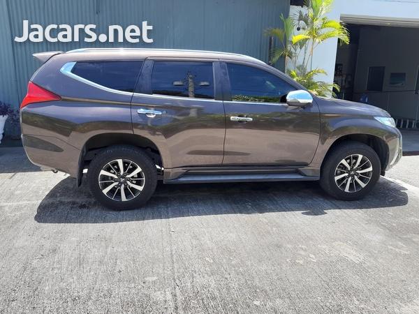 Mitsubishi Montero Sport 2,7L 2019-1
