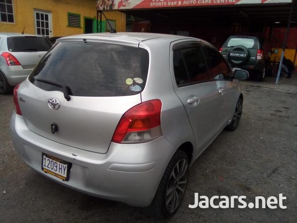 Toyota Vitz 1,5L 2009-7