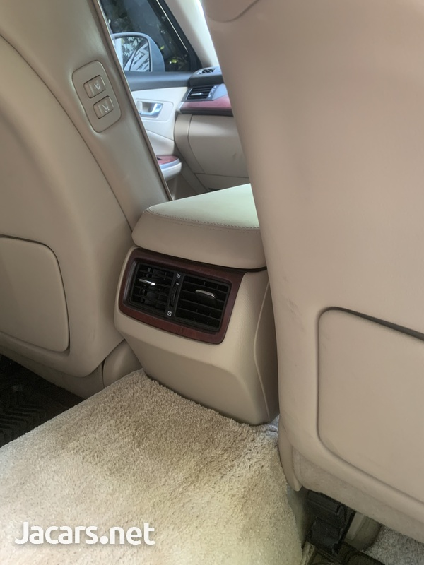 Toyota Crown 4,6L 2012-4