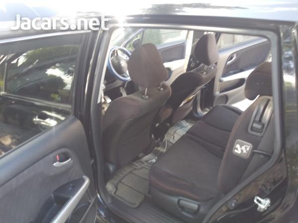 Honda Stream 2,0L 2011-4