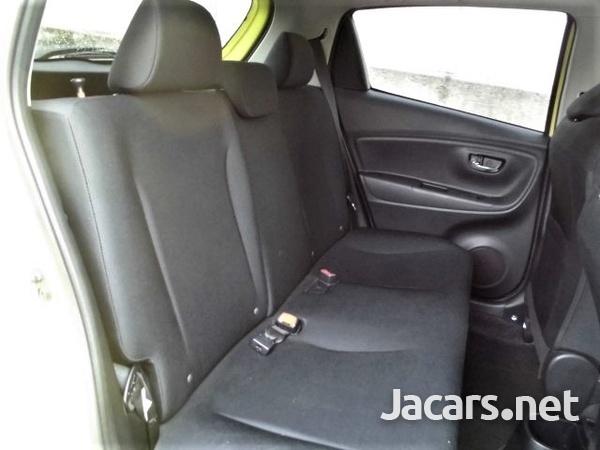Toyota Vitz 1,5L 2015-13