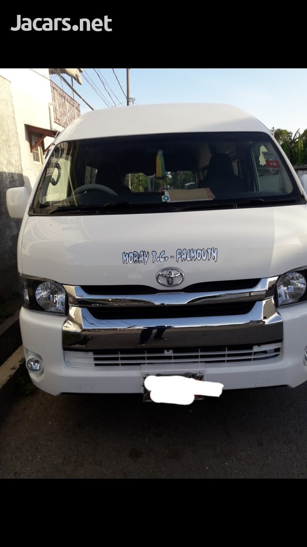 2010 Toyota Hiace Bus-1