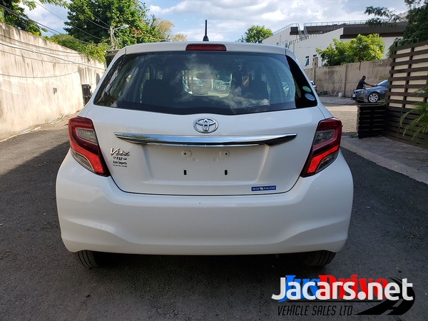 Toyota Vitz 1,0L 2014-5