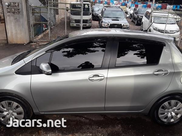 Toyota Vitz 1,3L 2011-5