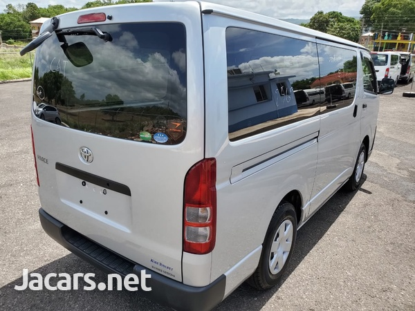 Toyota Hiace 2,0L 2016-5