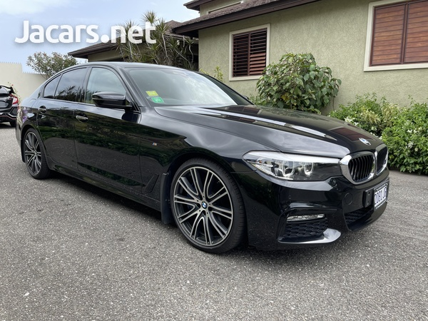 BMW 5-Series 3,0L 2017-4