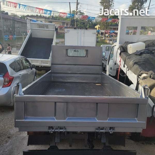 2010 Mitsubishi Fuso 3.0 ton Dump Truck-3