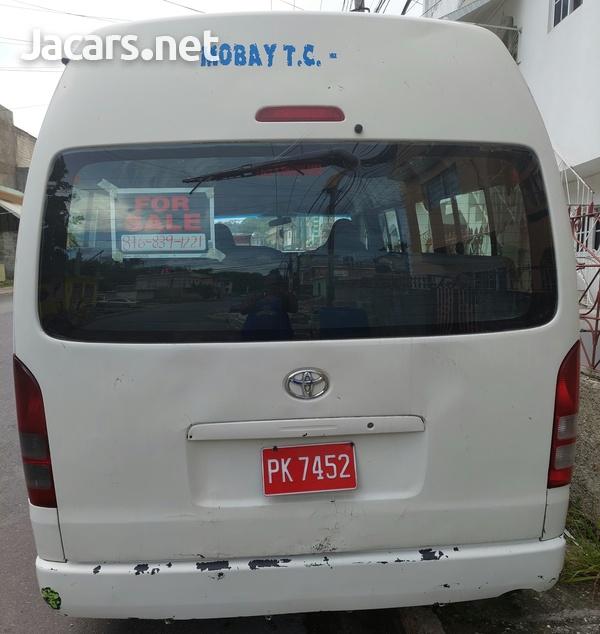 2008 Toyota Hiace Minibus-8