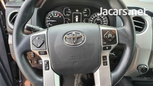 Toyota Tundra 5,7L 2018-8