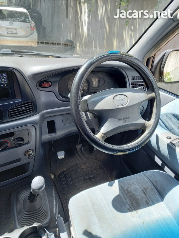 1999 Toyota Noah LiteAce-7