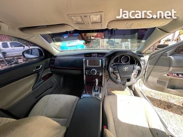 Toyota Mark X 2,5L 2010-7