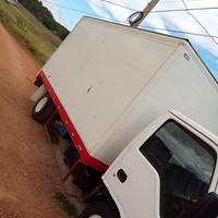 2000 Isuzu Box Body Truck