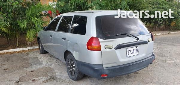 Nissan AD Wagon 1,5L 2001-5