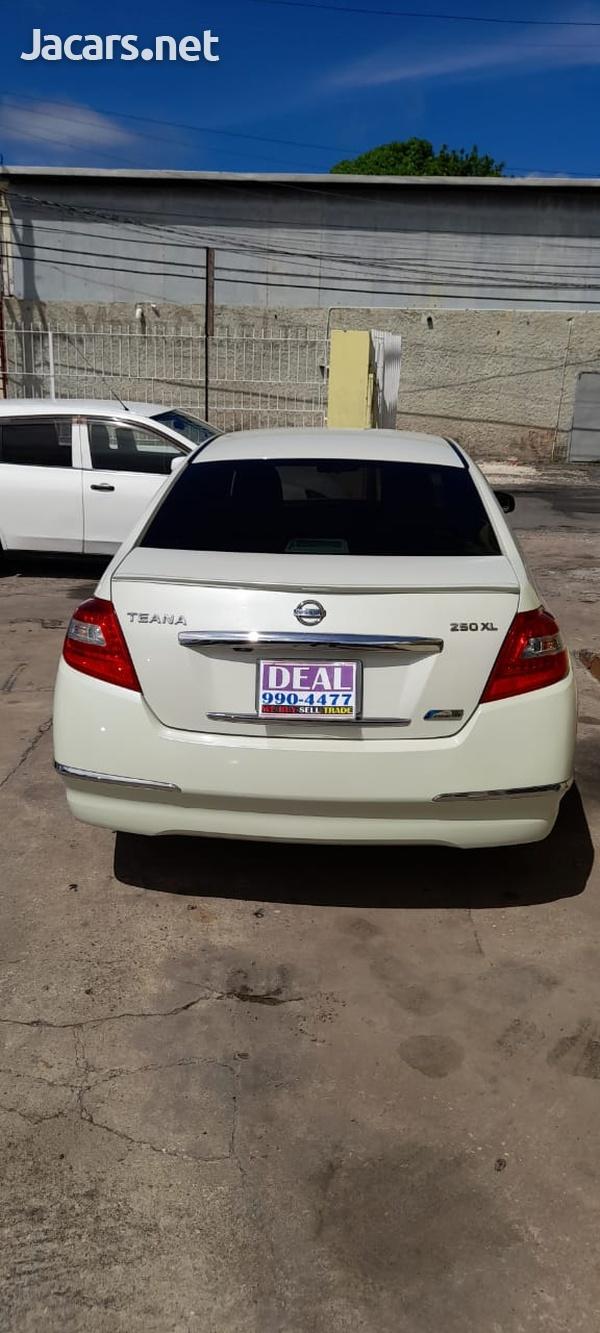 Nissan Teana 2,5L 2012-4