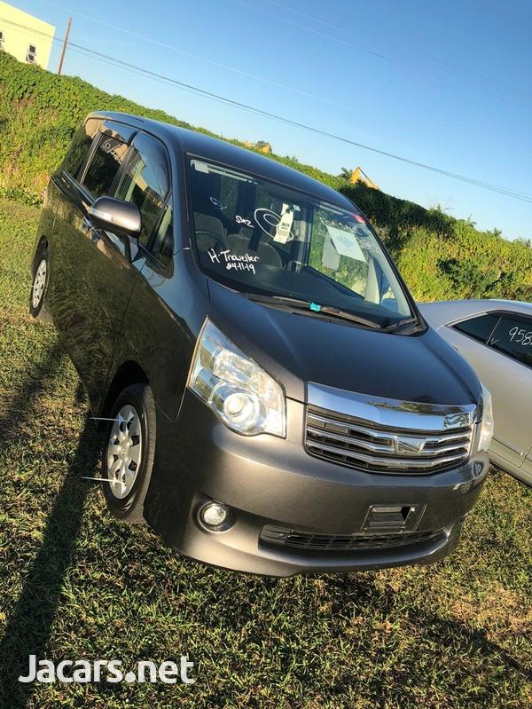 2010 Toyota Noah-3