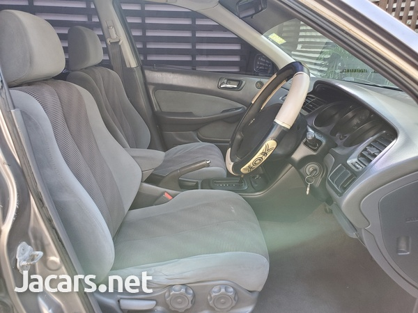 Honda Accord 1,8L 2002-7