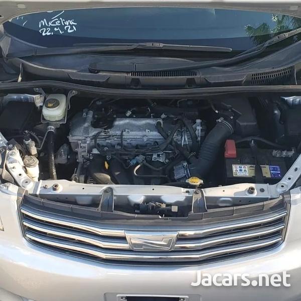 Toyota Noah 1,8L 2012-12