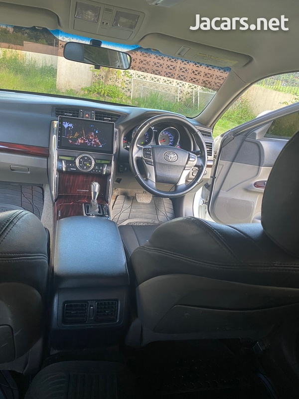 Toyota Mark X 2,5L 2011-10
