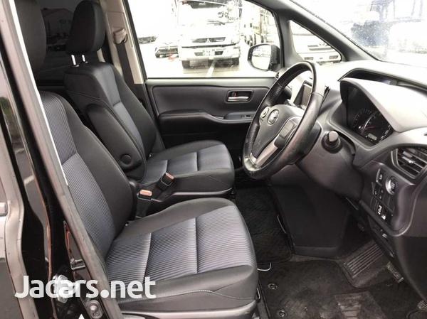 Toyota Voxy 2,0L 2017-8