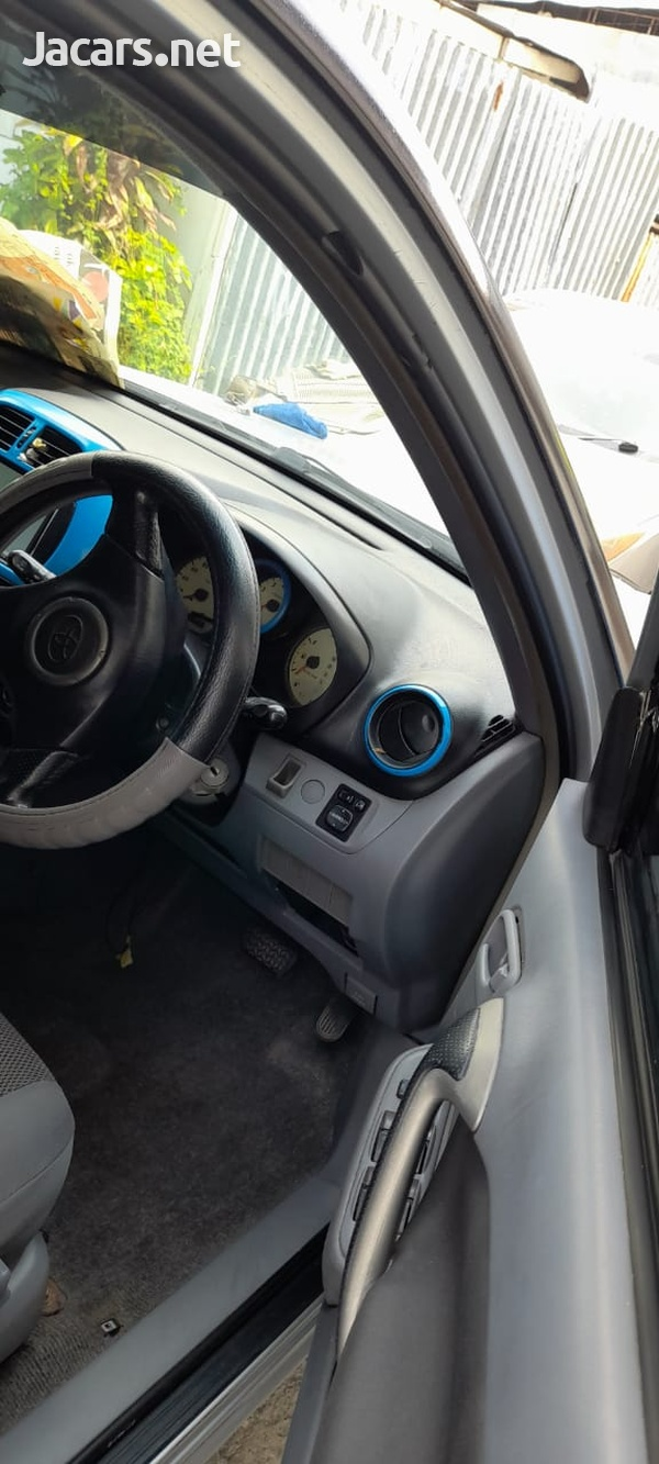 Toyota RAV4 2,0L 2003-4
