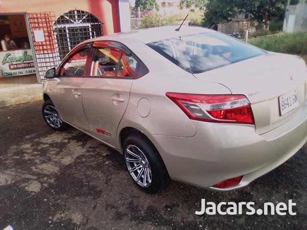 Toyota Yaris 1,6L 2016-6