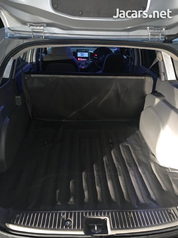 Mazda Familia 1,5L 2011-9