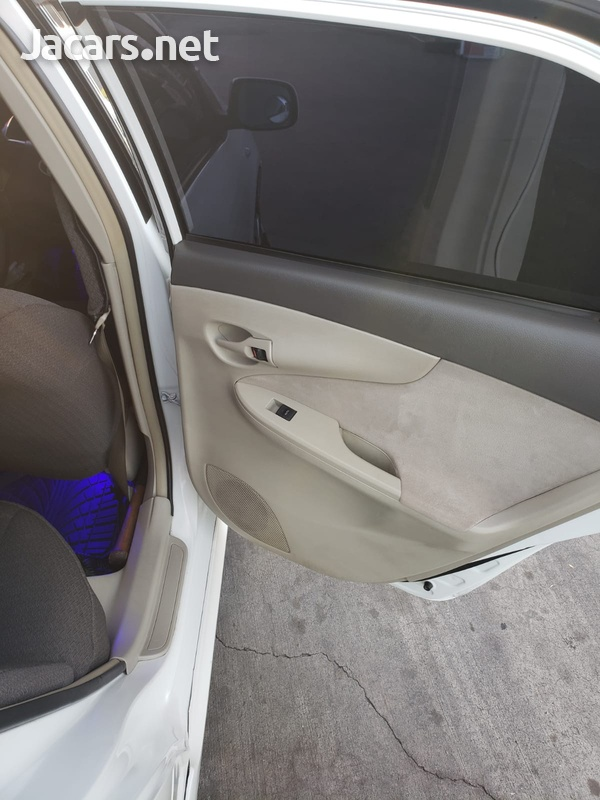 Toyota Axio 1,5L 2012-8