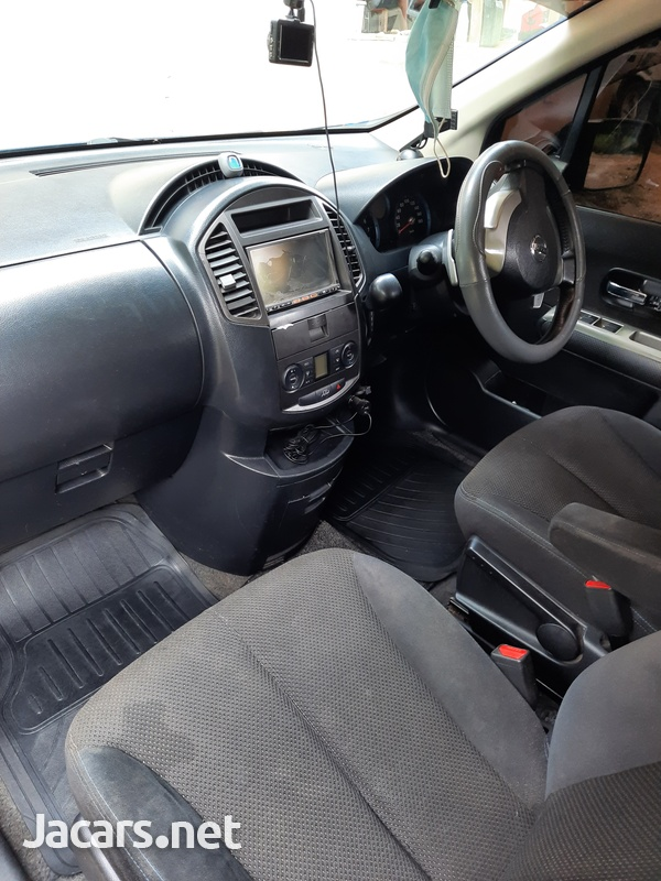 Nissan LaFesta 2,0L 2010-3