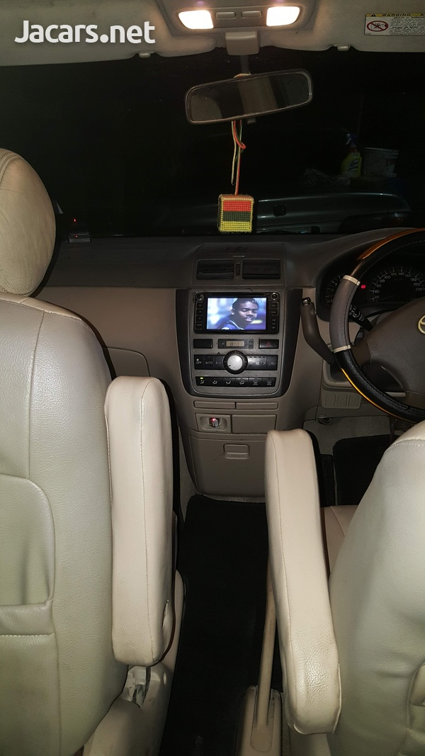 Toyota Picnic 1,9L 2004-4