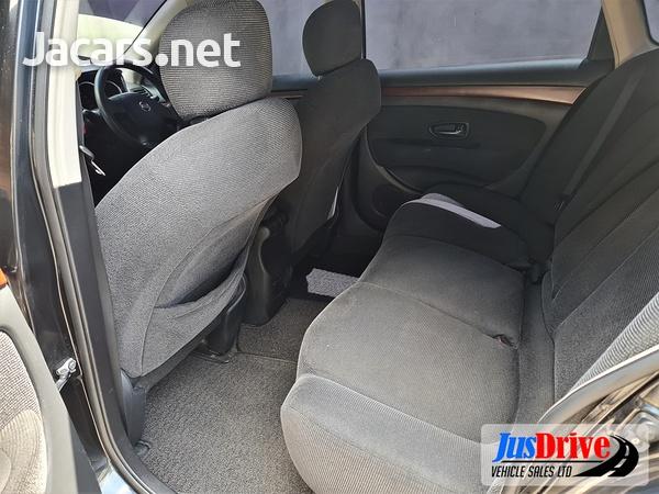 Nissan Bluebird 2,0L 2010-7