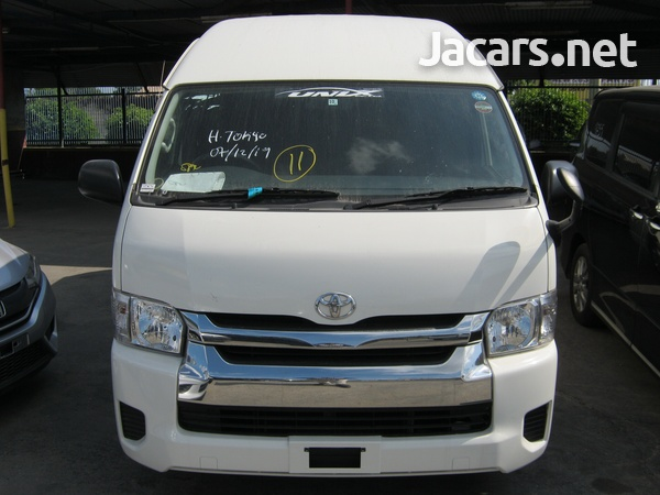 Toyota Hiace Bus 2,0L 2014-4