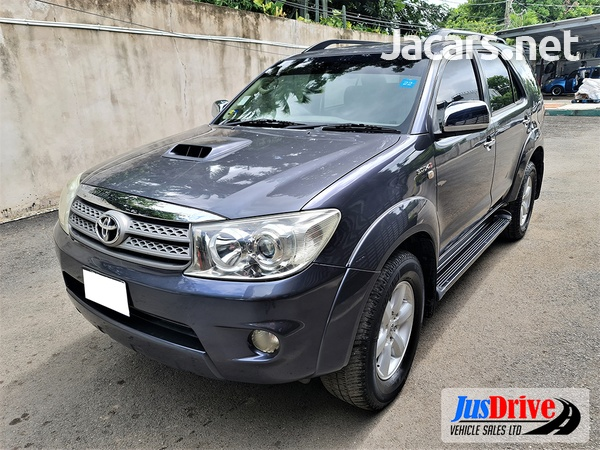 Toyota Fortuner 3,0L 2010-3