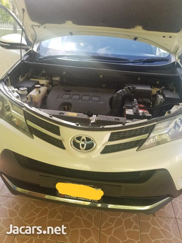 Toyota RAV4 2,5L 2015-3